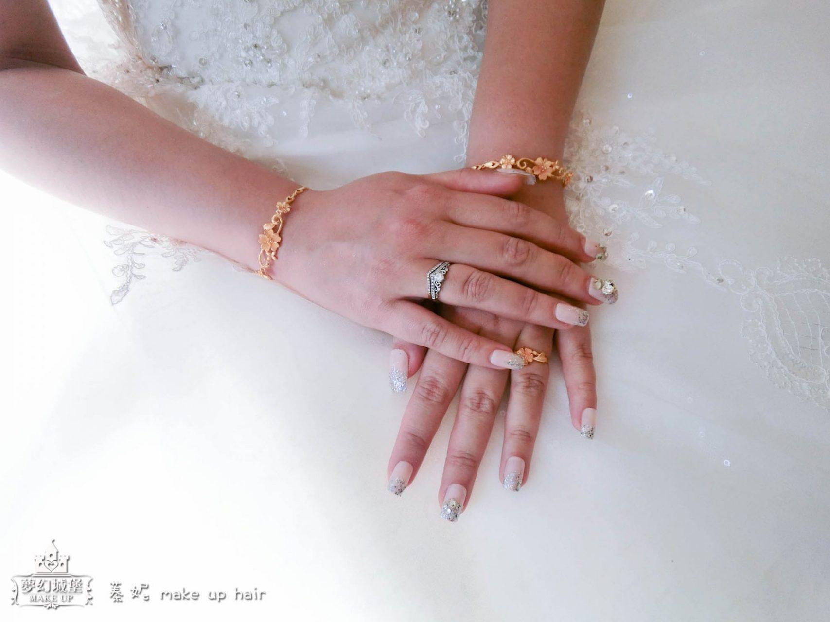 熱門款的新娘白紗進場造型
